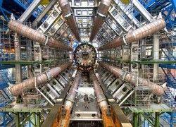 Большой адронный коллайдер – путь к катастрофе или открытиям?