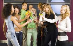 Как проходят домашние вечеринки у подростков?