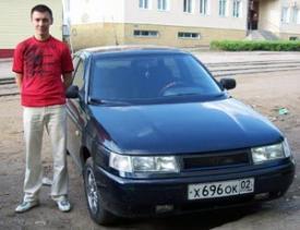 Автомобилист отсудил у коммунальщиков за яму на дороге 15000 рублей