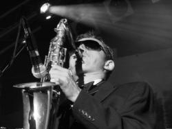 Особый гость для особенного торжества: профессиональный саксофонист на вашу свадьбу