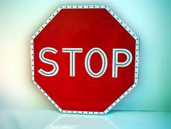 Чем хороши светодиодные дорожные знаки?