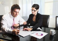 Юридическая помощь при сделках купли-продажи и внесении изменений в устав.