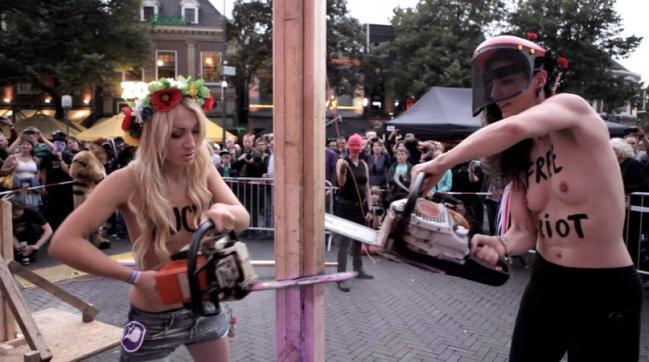 Активистски FEMEN выступили на арт-фестивале в Нидерландах