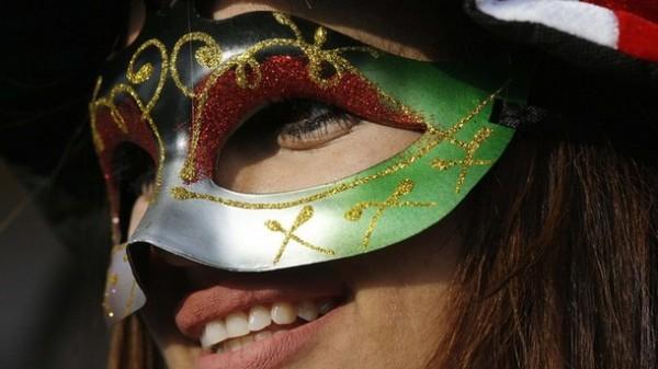 Девушка во время фестиваля Кувейт-сити