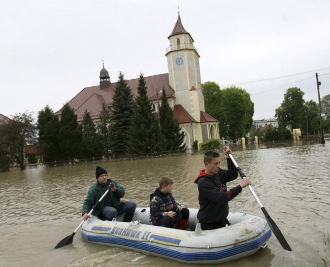 Наводнение в Польше унесло жизни восьми человек