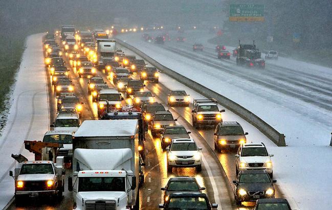 Огромная пробка на дороге возле Вашингтона