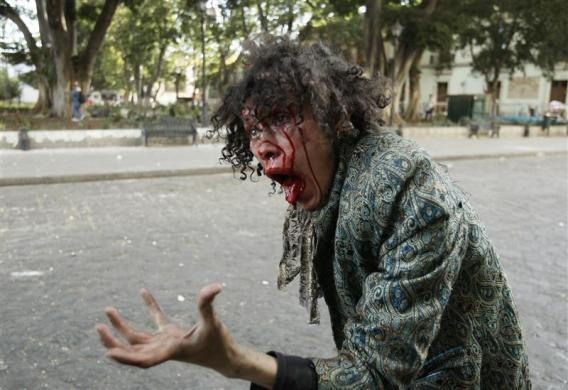 Раненый демонстрант в Оахаке, Мексика
