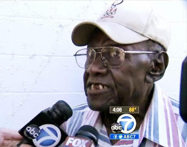 Столетний мужчина сбил 11 человек в Лос-Анджелесе