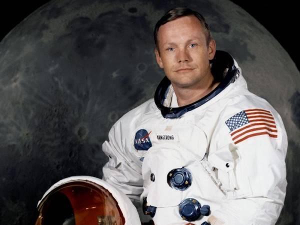 Умер  Нил Армстронг, первый человек, ступивший на поверхность Луны