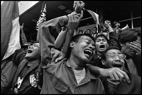 Indonesia, 1998 - Jubilation at announcement of Suharto' s resignation.