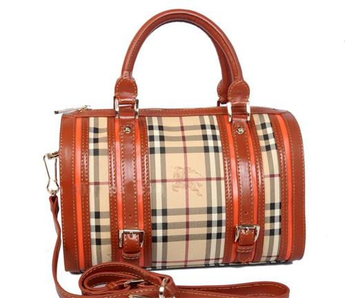 Женская сумка Burberry Medium Framed Haymarket Chek Bowling Bag (Бёрберри Медиум Фрэймд Хаймаркет чек Боулинг Бэг)